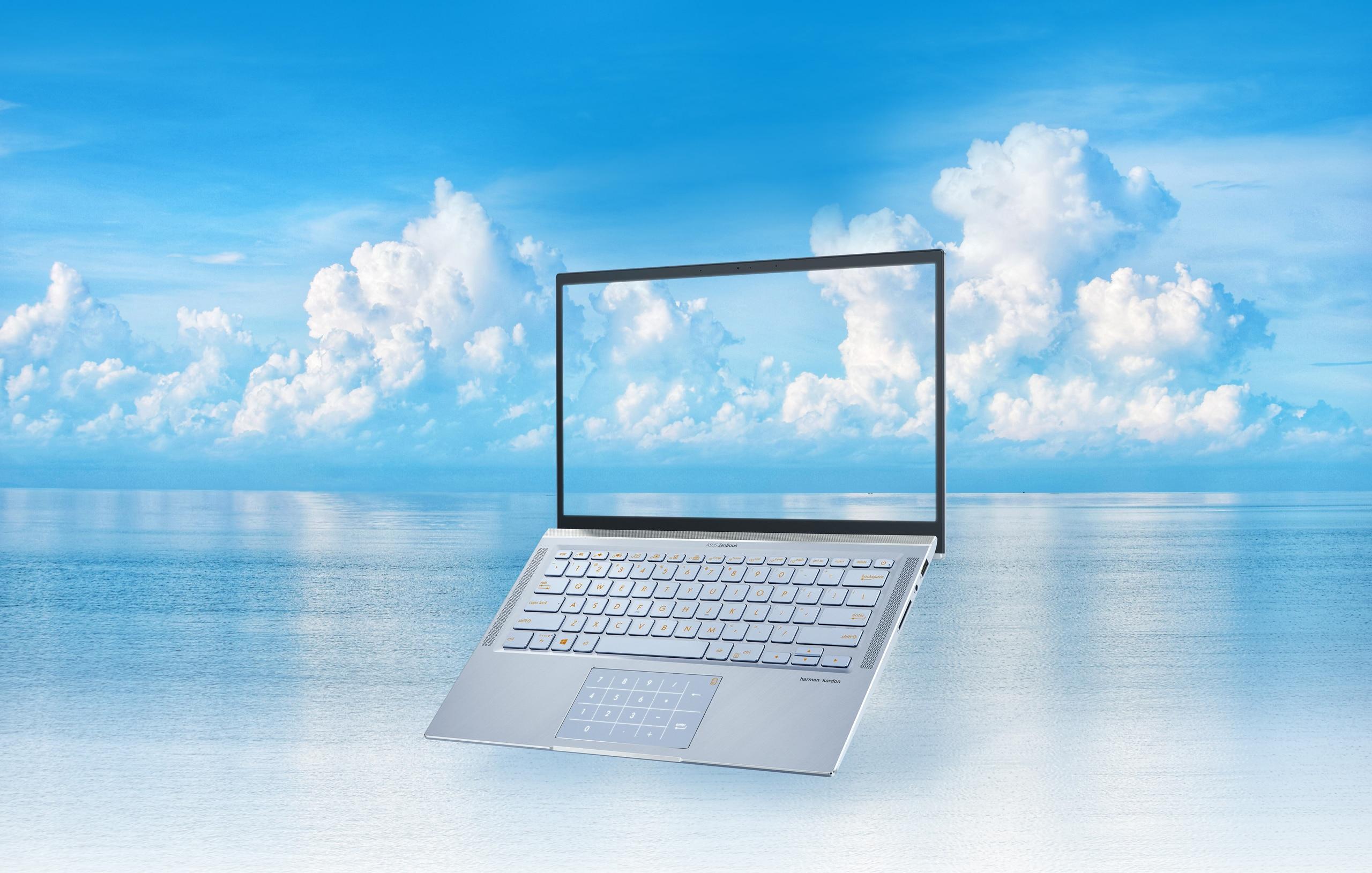 laptop test karcsú)
