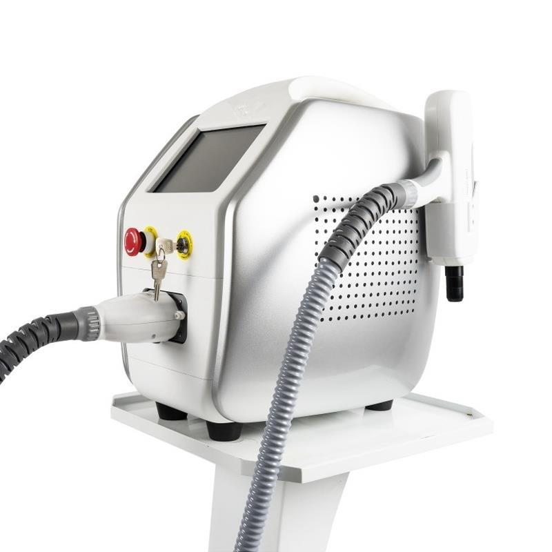 Aparat laser pentru onicomicoza