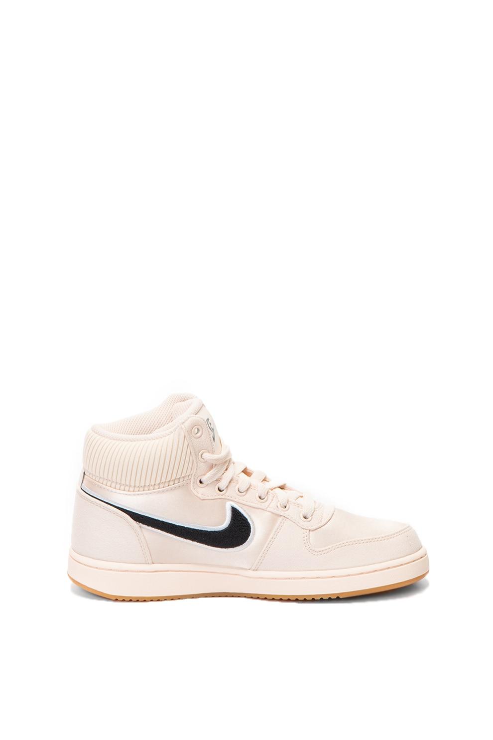 Nike, Pantofi sport mid-high Ebernon
