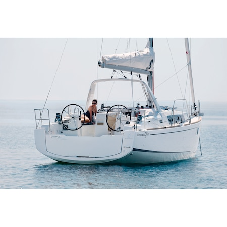Foglalási díjjal - Beneteau Oceanis 35.1 típusú, 10.45 m hosszú, Yanmar dízel motorral (29 LE), Fehér színű Vitorlás Yacht – 3 kabinos kivitel (43 874 120 Ft)
