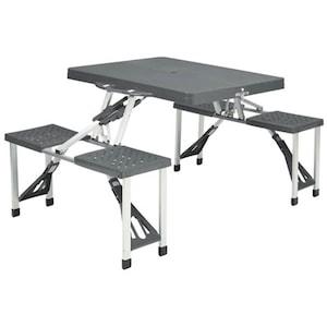 Kemping székek, asztalok és napernyők