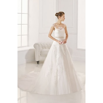 i am looking for fehér menyasszonyi nő