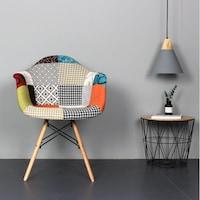 scaune multicolore