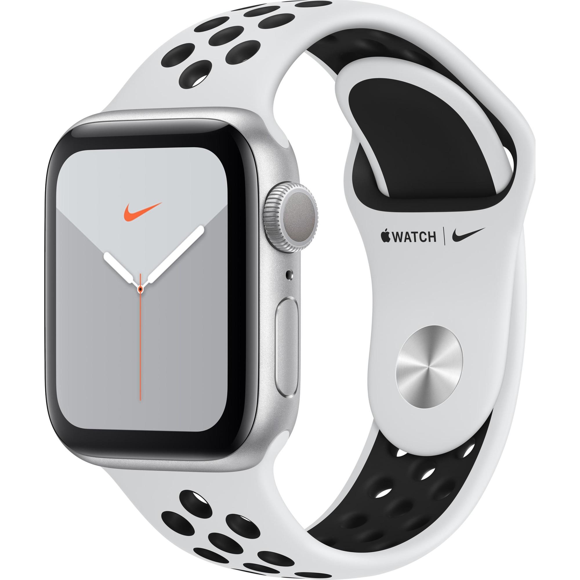 Fotografie Apple Watch Nike 5, GPS, Carcasa Silver Aluminium 40mm, Pure Platinum/Black Nike Sport Band