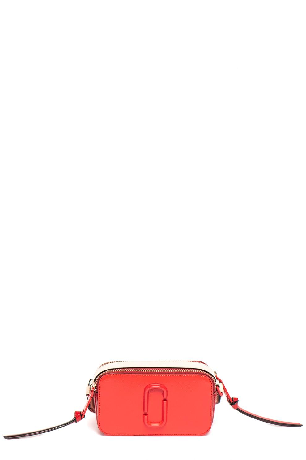 Fotografie Marc Jacobs, Geanta crossbody de piele peliculizata, cu monograma metalica, Rosu vermilion.Rosu inchis/Roz piersica