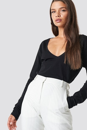 Дамска блуза с дълъг ръкав, Na-Kd, V-образно деколте, черен цвят