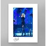 Сувенирна фотография с автограф на Лили Иванова