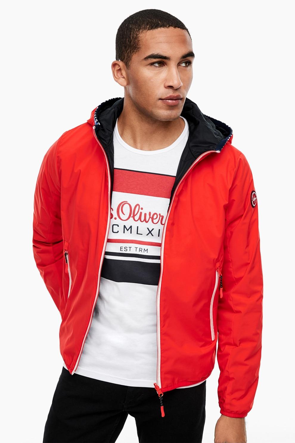 s.Oliver, Enyhén bélelt dzseki levehető kapucnival, Piros