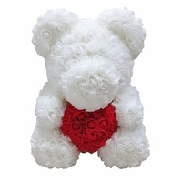 Rózsa maci díszdobozban, örök virág maci - fehér piros szívvel 40 cm