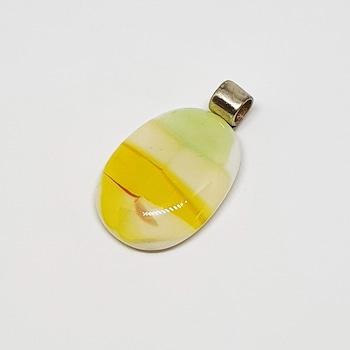 Zöld sárga üveg medál