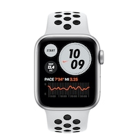 Apple Watch Nike Series 6 GPS, 40 mm-es ezüst alumínium tok tiszta platinával / fekete Nike sporszíj