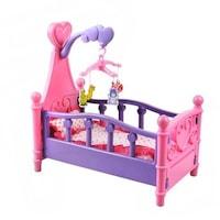 Játék baba kiságy ágyneművel és 4db-os állatfigurás körhintával és ágyneművel