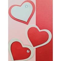 Картичка със сърца с камъчета