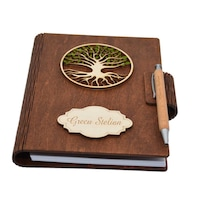 Agenda A5 din lemn personalizata, maro, Piksel, Pomul vietii, 100 pagini si pix din lemn inclus