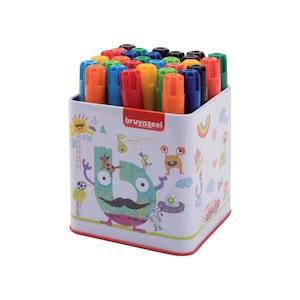 Színes ceruzák és filctollak