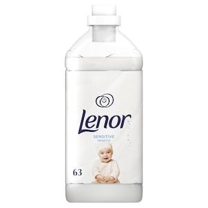 Balsam de rufe Lenor Sensitive Pure Care, 63 spalari, 1.9L